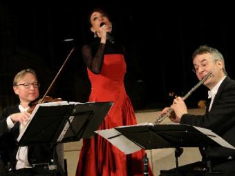 Anna Maria mit derm Bremer Kaffeehaus-Orchester