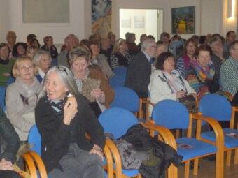 ein voller Saal beim ersten Patentreffen; Foto: AG Wilhelmshaven