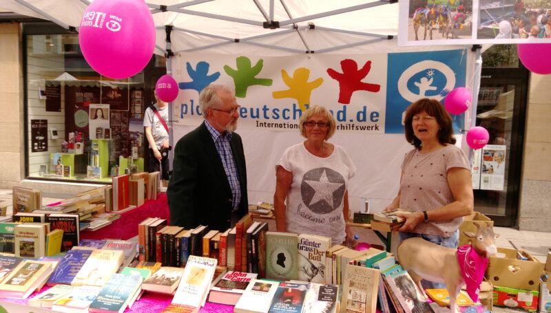 Bücherflohmarkt auf dem RüFest