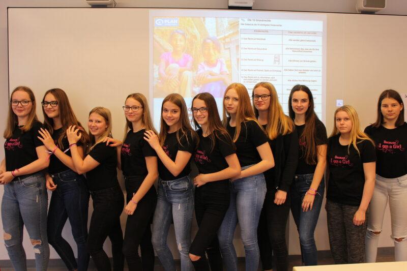 Mädchen einer teilnehmenden 9. Klasse