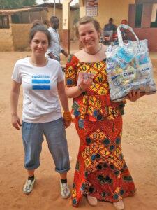 Aus den Trinkpäckchen werden recycelte Taschen hergestellt.